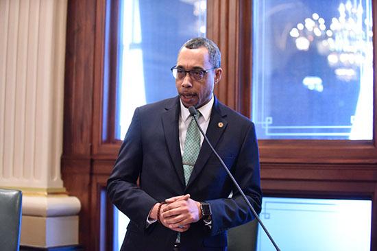Smith Supports Fair Tax Amendment