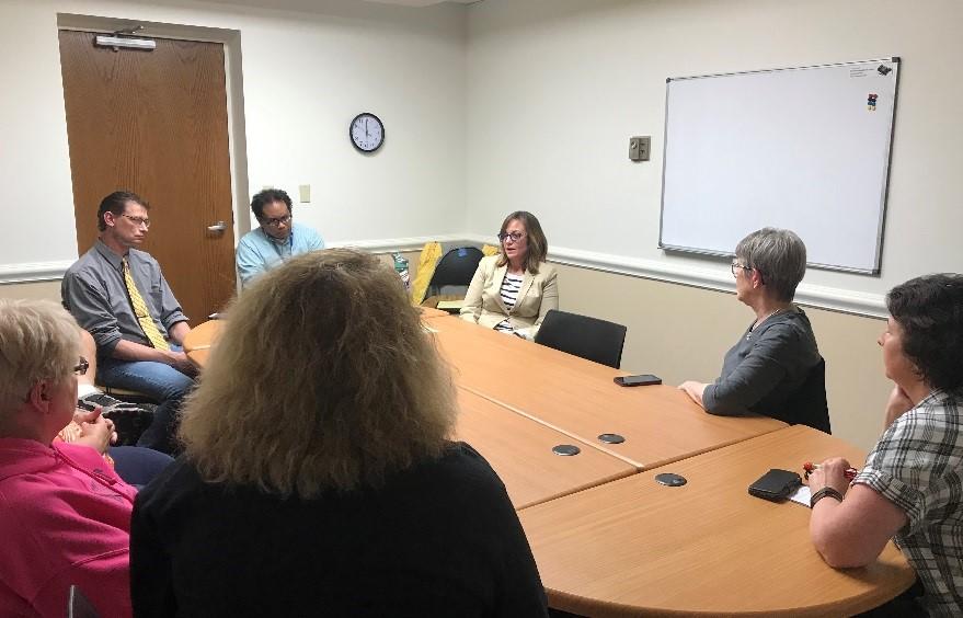 Stuart Talks Education during Citizens' Advisory Committee Meeting in Edwardsville