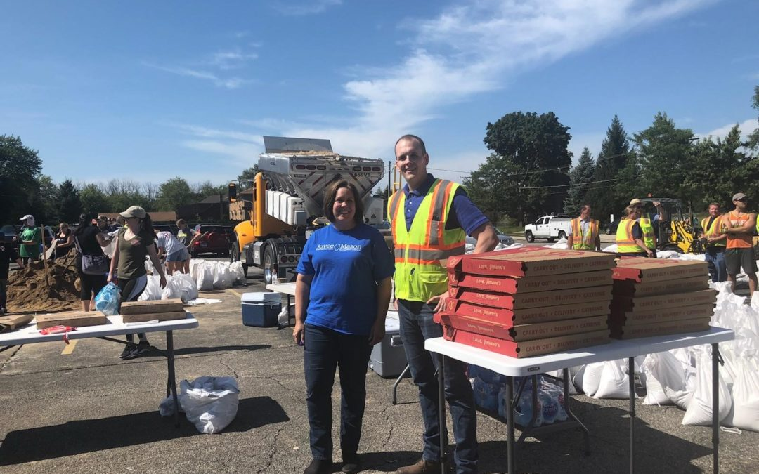 Mason Delivers Food to Volunteers Working to Prevent Additional Flood Damage